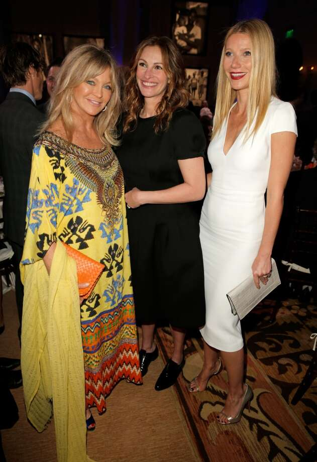 Goldie Hawn, Julia Roberts and Gwyneth Paltrow attend the 3rd annual Sean Penn & Friends HELP HAITI HOME Gala benefiting J/P HRO presented by Giorgio Armani at Montage Beverly Hills on January 11, 2014 in Beverly Hills, California. Photo: Joe Scarnici, Getty Images For J/P Haitian Relief Organization