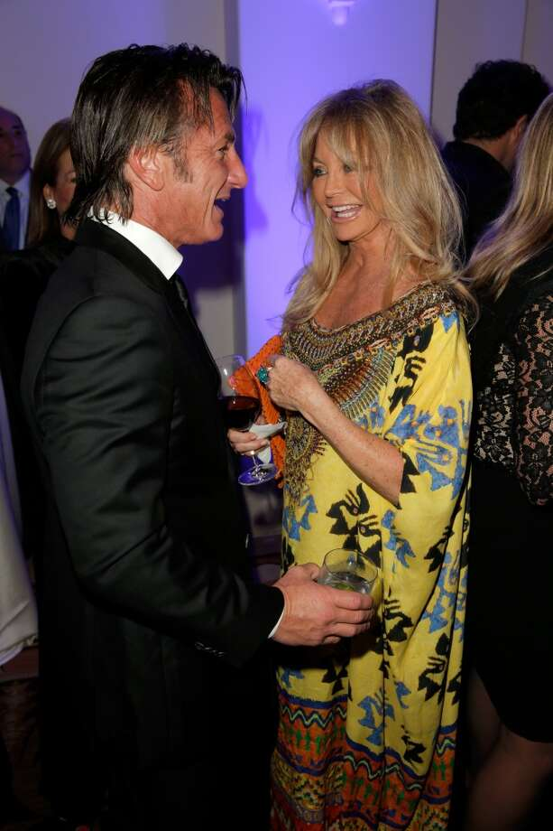 Sean Penn and Goldie Hawn attend the 3rd annual Sean Penn & Friends HELP HAITI HOME Gala benefiting J/P HRO presented by Giorgio Armani at Montage Beverly Hills on January 11, 2014 in Beverly Hills, California. Photo: Joe Scarnici, Getty Images For J/P Haitian Relief Organization