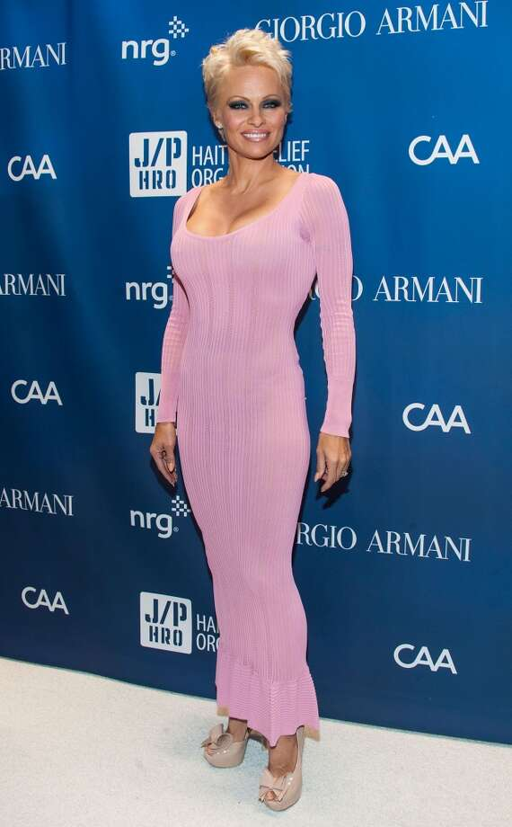 Pamela Anderson arrives at the 3nd Annual Sean Penn & Friends HELP HAITI HOME Gala Benefiting J/P HRO Presented By Giorgio Armani at Montage Hotel on January 11, 2014 in Los Angeles, California. Photo: Valerie Macon, Getty Images