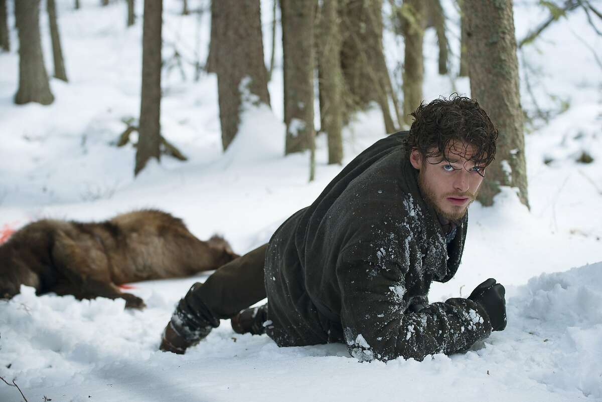 Bill Haskell (Richard Madden) in the harsh conditions of the Klondike.