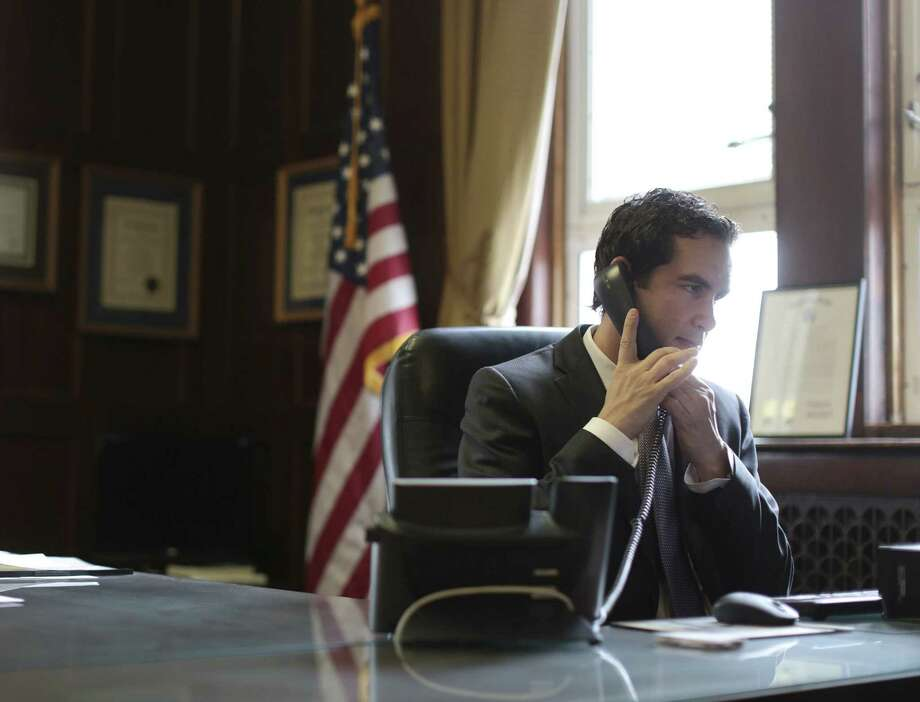 Documents show the governor's administration aggressively courted Jersey City Mayor Steven Fulop (above) and then abruptly cut ties after he informed them that he would not endorse Gov. Christie. Photo: Michael Appleton / New York Times / NYTNS