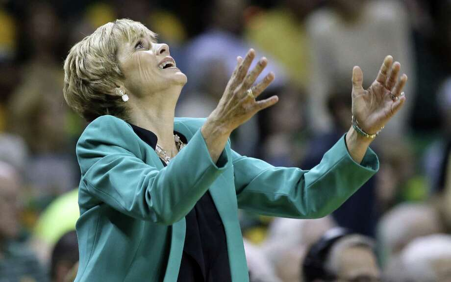 Baylor coach Kim Mulkey shows her dismay after the Lady Bears were called for a foul in the first half against UConn. Photo: Tony Gutierrez / Associated Press / AP