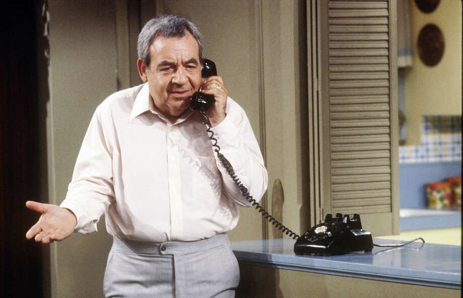 "Tom Bosley as Howard Cunnigham, aka ""Mr. C,"" patriarch of the Cunningham family and owner of Cunningham Hardware. Photo: ABC Photo Archives, ABC Via Getty Images / 2009 American Broadcasting Companies, Inc."