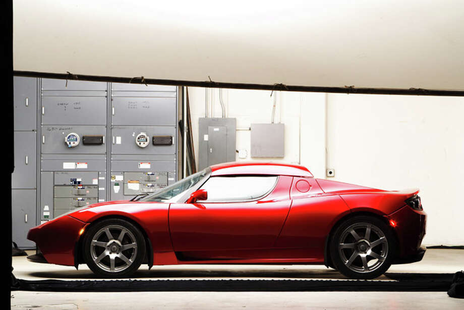 SAN CARLOS, CA - 2007:  Tesla Roadster, the world's fastest electric sports car.  (Photo by John B. Carnett/Bonnier Corporation via Getty Images) Photo: John B. Carnett, Popular Science Via Getty Images / Bonnier Corporation