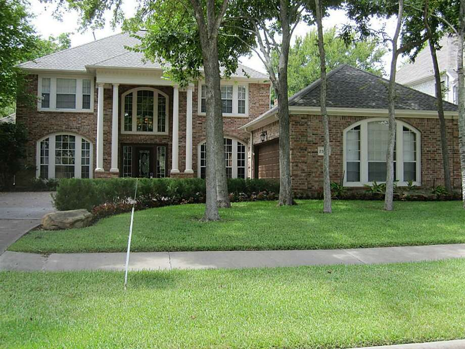 7514 Old Bridge: This 1992 home has 4 bedrooms, 3.5 bathrooms, and 3,761 square feet. Listed for $525,000. Photo: Houston Association Of Realtors