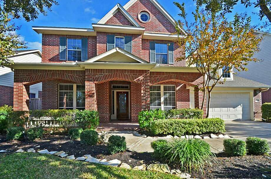 5507 Cranston: This 2000 home has 4-5 bedrooms, 3.5 bathrooms, and 3,180 square feet. Listed for $482,500. Photo: Houston Association Of Realtors