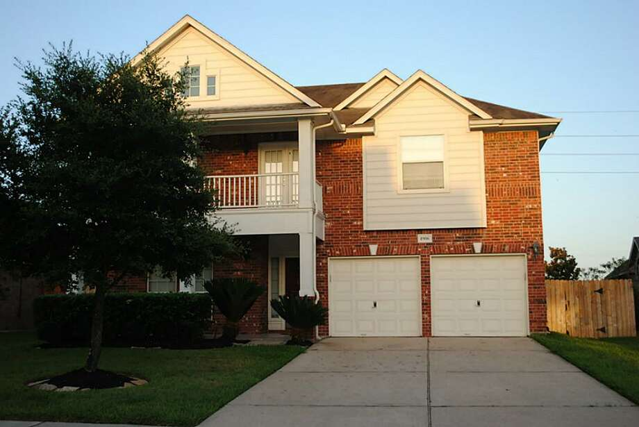 1906 Boulder Oaks: This 2003 home has 3 bedrooms, 2.5 bathrooms, and 2,935 square feet. Listed for $256,500.