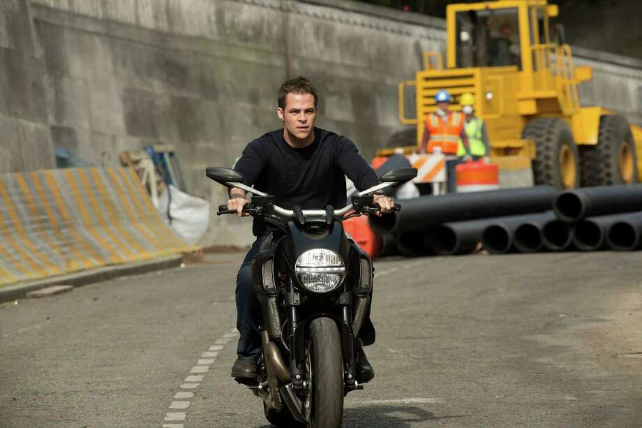 Chris Pine is Jack Ryan in JACK RYAN: SHADOW RECRUIT, from Paramount Pictures and Skydance Productions.