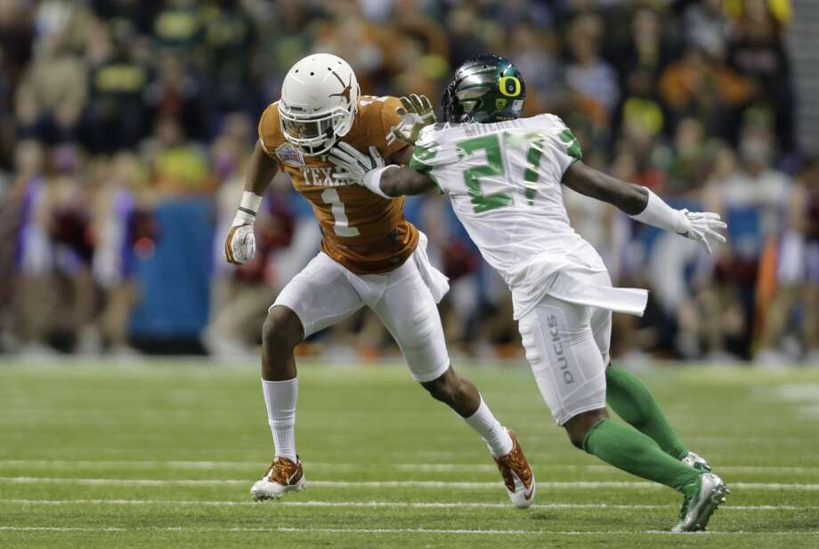 Terrance Mitchell  Position: Cornerback  School: Oregon Photo: Eric Gay, Associated Press