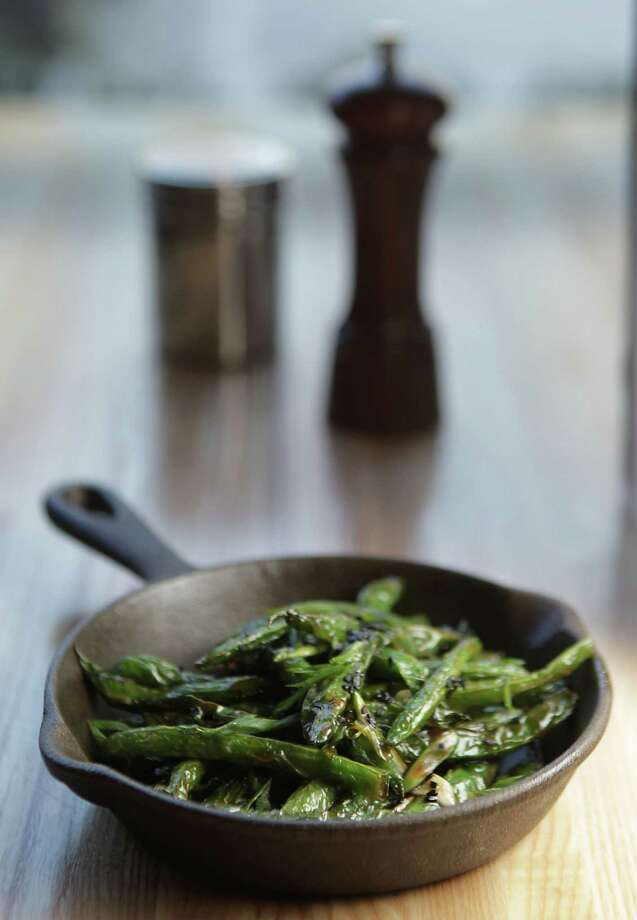 Oriental sesame green beans at Fielding's Wood Grill. Photo: James Nielsen, Staff / © 2013  Houston Chronicle