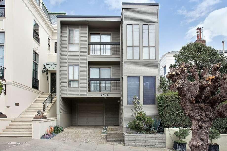 2106 Scott St. Unit C is a top-floor condominium in Pacific Heights. Photo: OpenHomesPhotography.com