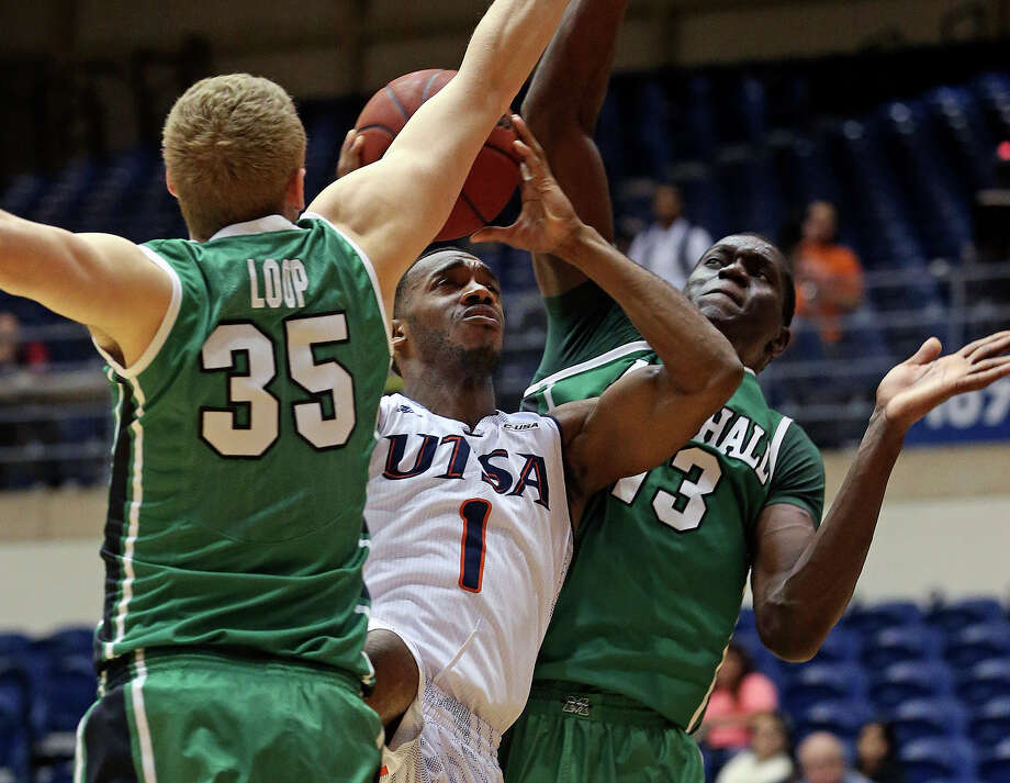 FILE: Roadrunner guard Devon Agusi, shown here playing against Marshall in January, scored 14 points in his final game at the UTSA Convocation Center, a 61-51 loss to UTEP. Photo: For The San Antonio Express-News