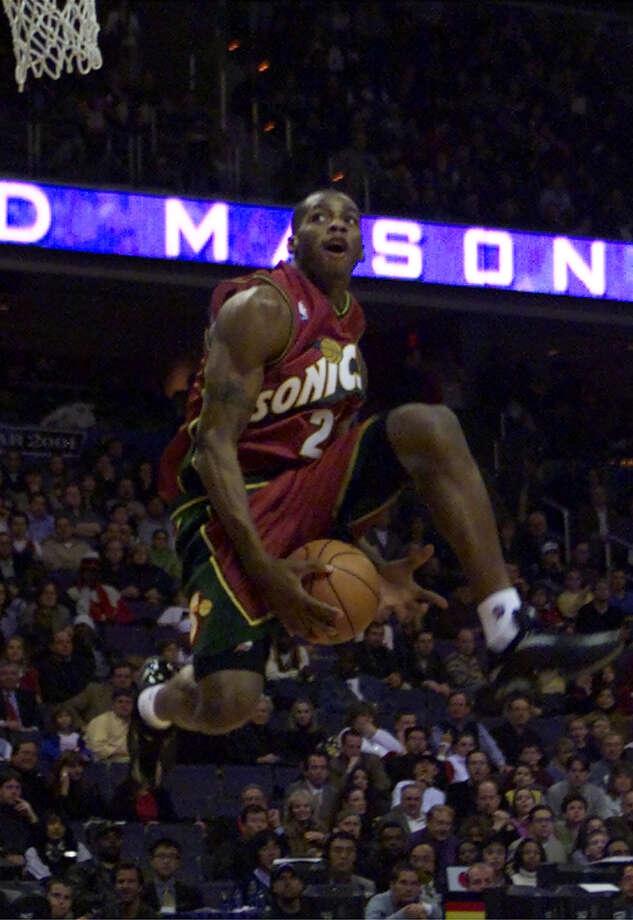 2001: Desmond Mason Location: Washington D.C. Team: Seattle SuperSonics Photo: Pablo Martinez Monsivais, Associated Press