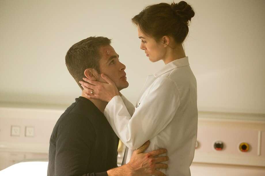 'Jack Ryan: Shadow Recruit' review: Pine fine in reboot
