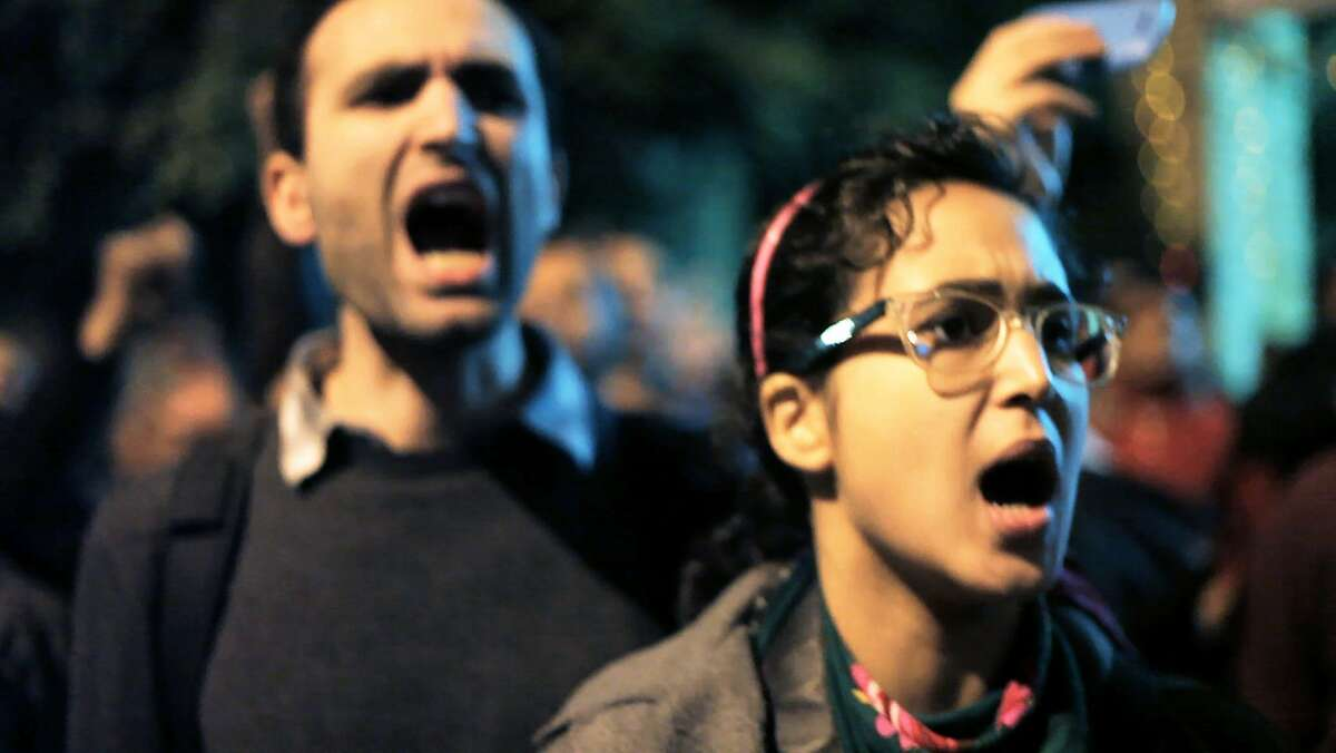 Khalid Abdalla (L) and Aida El Kashef (R) in THE SQUARE.