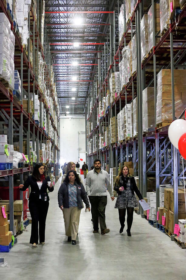 Pope Francis might also be interested in seeing the expanded San Antonio Food Bank facilities, which provided nearly 50 million pounds of food to the Alamo City's needy last year. Photo: TOM REEL