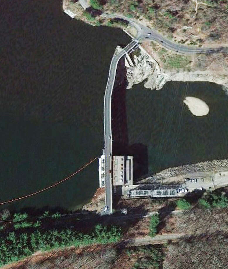 This structures spans the Housatonic River from Monroe to Oxford. Photo: Google Earth Images