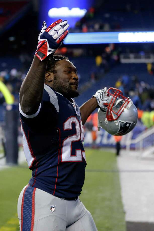 LeGarrette Blount soaks up the adulation after his four-touchdown game against the Colts. Photo: Jim Rogash, Stringer / 2014 Getty Images