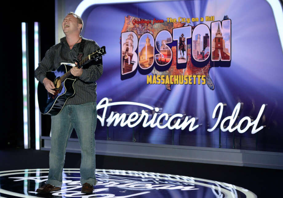 AMERICAN IDOL XIII: Boston Auditions: Contestant Sam Atherton performs in front of the judges. AMERICAN IDOL XIII begins with a two-night, four-hour premiere Wednesday, Jan. 15 (8:00-10:00 PM ET/PT) and Thursday, Jan. 16 (8:00-10:00 PM ET/PT) on FOX.CR: Michael Becker / FOX. © Copyright 2013 FOX Broadcasting Co. / 1