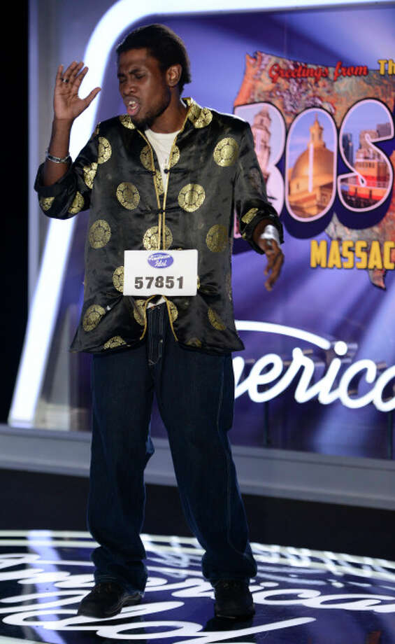 AMERICAN IDOL XIII: Boston Auditions: Contestant James Earl performs in front of the judges. AMERICAN IDOL XIII begins with a two-night, four-hour premiere Wednesday, Jan. 15 (8:00-10:00 PM ET/PT) and Thursday, Jan. 16 (8:00-10:00 PM ET/PT) on FOX.CR: Michael Becker / FOX. © Copyright 2013 FOX Broadcasting Co. / 1