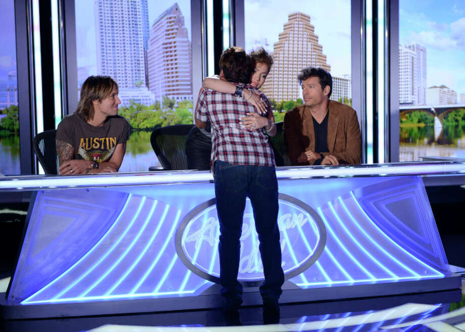 AMERICAN IDOL XIII: Austin Auditions: Contestant Rolando Guerrero gets a hug from Jennifer Lopez during his audition. AMERICAN IDOL XIII begins with a two-night, four-hour premiere Wednesday, Jan. 15 (8:00-10:00 PM ET/PT) and Thursday, Jan. 16 (8:00-10:00 PM ET/PT) on FOX. CR: Michael Becker / FOX.© Copyright 2013 FOX Broadcasting Co. / 1