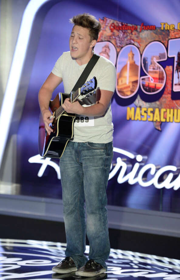 AMERICAN IDOL XIII: Boston Auditions: Contestant Keith London performs in front of the judges. AMERICAN IDOL XIII begins with a two-night, four-hour premiere Wednesday, Jan. 15 (8:00-10:00 PM ET/PT) and Thursday, Jan. 16 (8:00-10:00 PM ET/PT) on FOX. CR: Michael Becker / FOX. © Copyright 2013 FOX Broadcasting Co. / 1