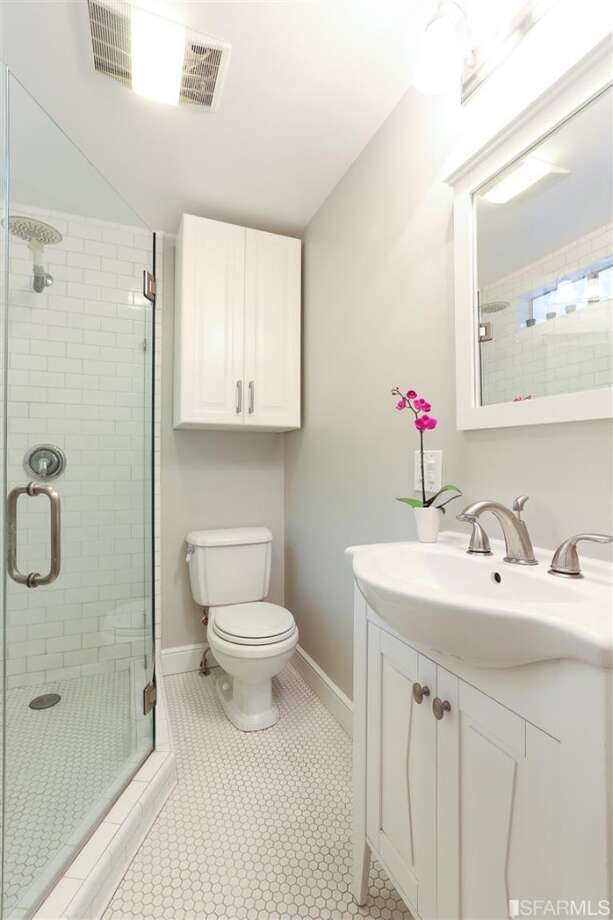 Small bath. Photos via Danielle Lazier, Climb Real Estate/MLS