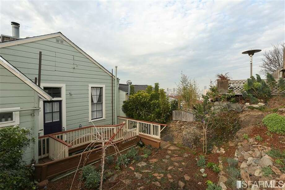 Typical Bernal topography. Photos via Danielle Lazier, Climb Real Estate/MLS
