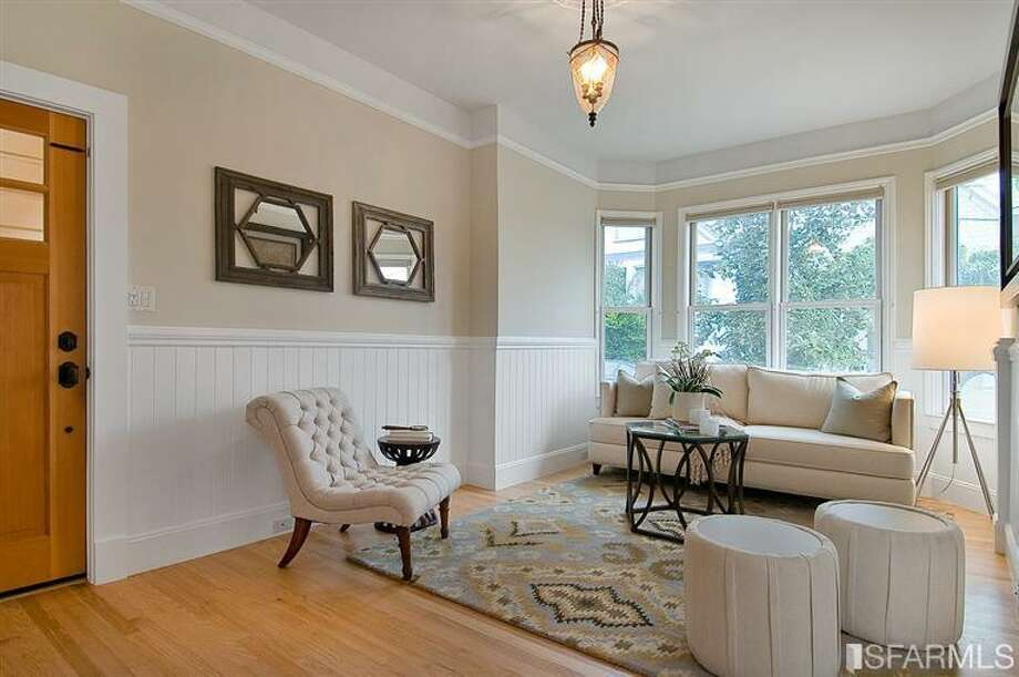 Sweet living room; though square footage not listed, looks spacious. Photos: Jessica Branson, Alain Pinel, REALTORS/MLS