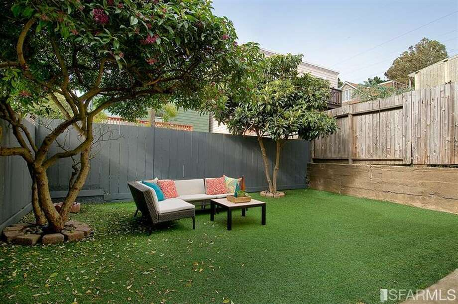 Yard! Photos: Jessica Branson, Alain Pinel, REALTORS/MLS
