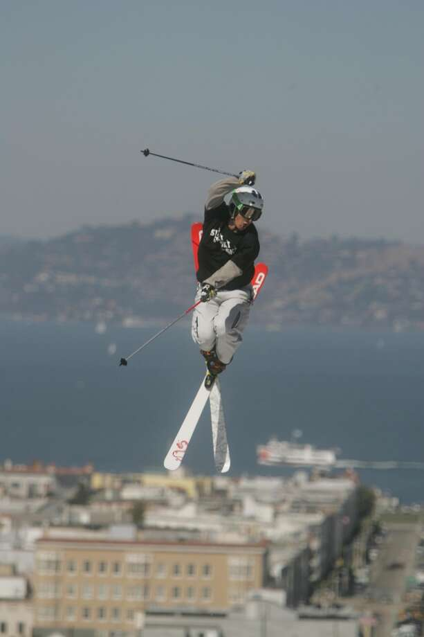 Jonny Moseley over San Francisco Bay Photo: Mike Kepka, SFC
