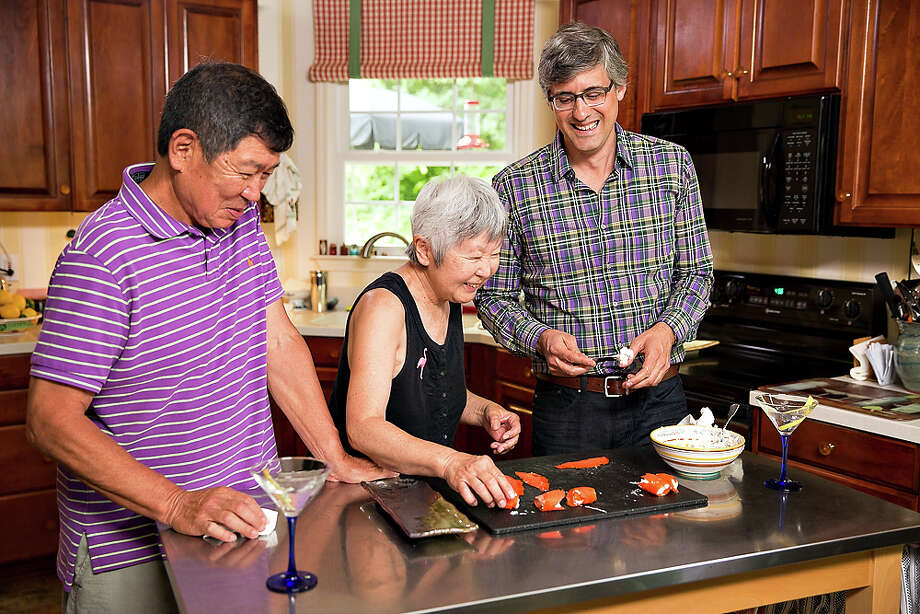 "Mo Rocca of the Cooking Channel's ""My Grandmother's Ravioli"" Photo: --, Commissioned Photographer / © 2013, Cooking Channel, LLC. All Rights Reserved."
