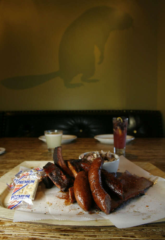 Beaver's Ice House has appeared on Food Network's 'Meat & Potatoes.' Photo: James Nielsen, Houston Chronicle / © 2007 Houston Chronicle