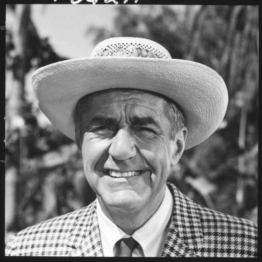 Jim Backus (1913 - 1989), who portrayed Thurston Howell III on 'Gilligan's Island,' on the set of the episode 'Nyet, Nyet Not Yet,' in Los Angeles, California, on September 30, 1965. Photo: CBS Photo Archive, Getty Images / 2004 CBS WORLDWIDE INC
