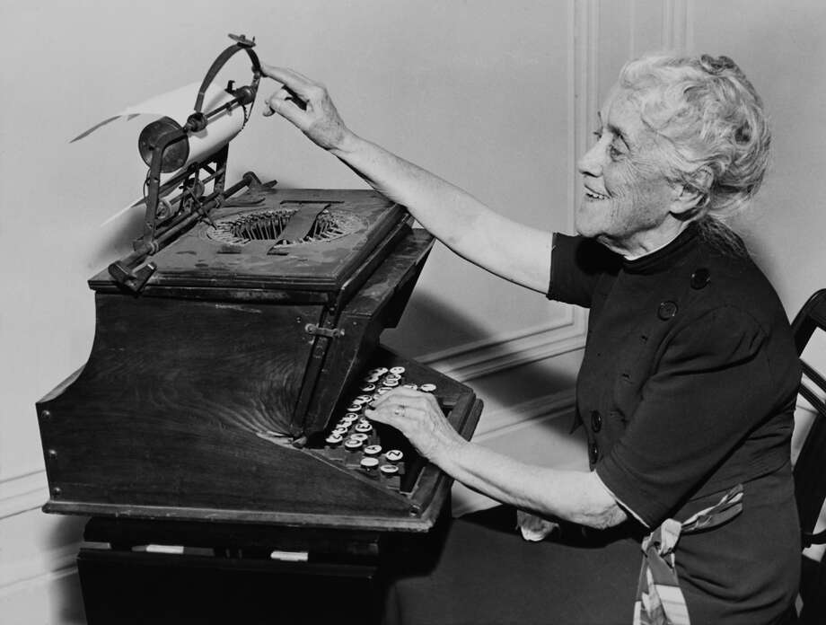 Computers put a period at the end of the typewriter's story.PHOTO: A woman uses a typewriter at the beginning of the 20th Century. Photo: KEYSTONE FRANCE, Getty Images / KEYSTONE FRANCE
