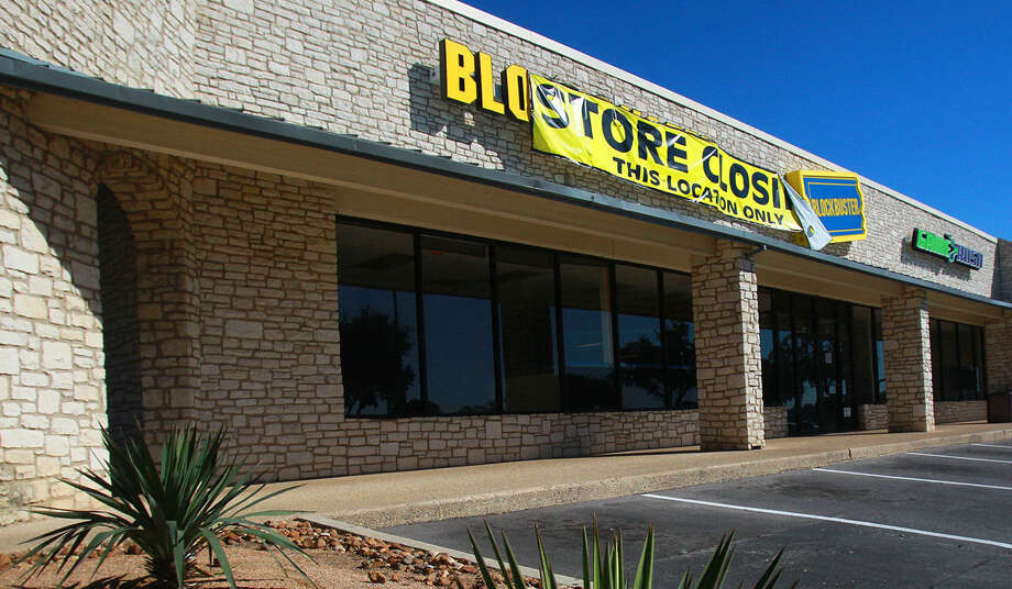 Blockbuster has officially closed its remaining 10 locations in San Antonio, opening real estate space for other retailers. This location is 2951 Thousand Oaks Drive. Photo: John Davenport / San Antonio Express-News / ©San Antonio Express-News/Photo may be sold to the public