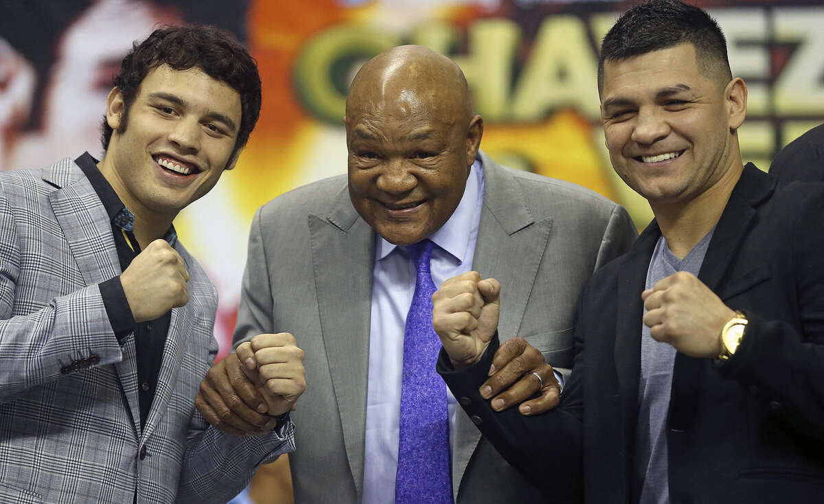 Julio Cesar Chavez (left) and Austin's Bryan Vera flank boxing great George Foreman on Thursday to promote their March 1 fight at the Alamodome.
