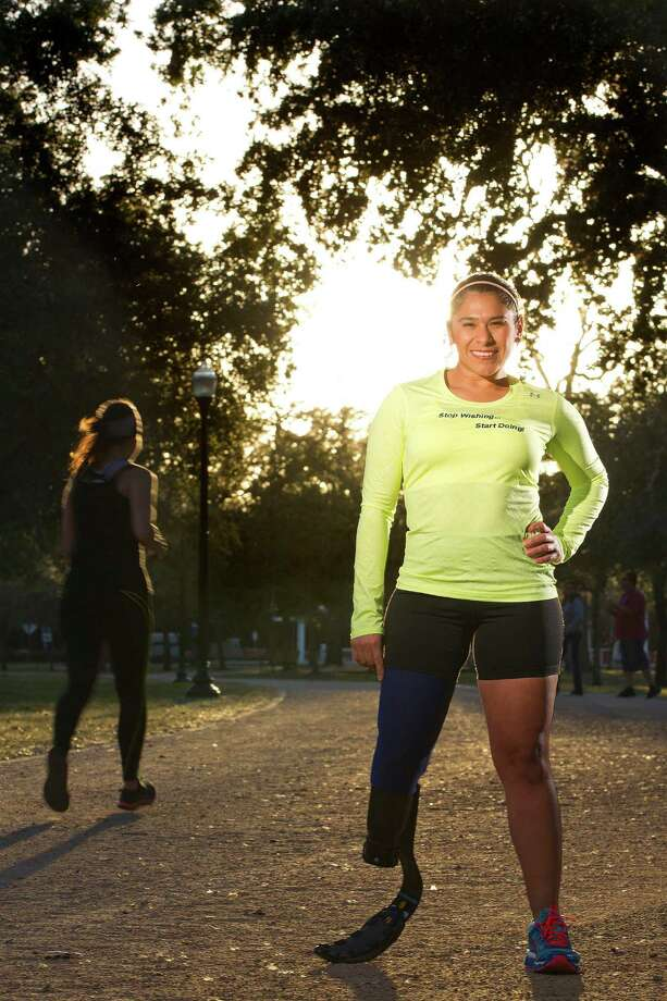 The Chevron Houston Marathon on Sunday will be Alma Faz's first crack at the 26.2-mile distance. Photo: Johnny Hanson, Staff / © 2014  Houston Chronicle