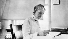 Henrietta Leavitt at her desk