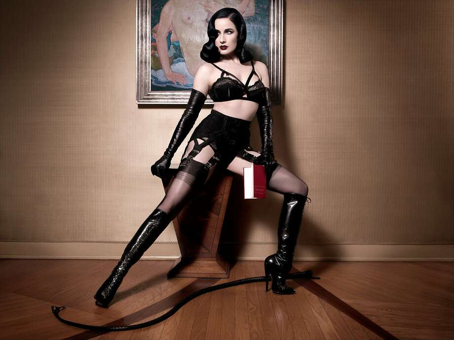 Dita von teese in latex sex