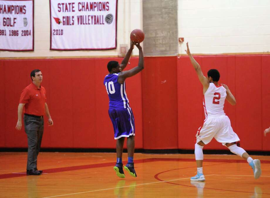Boys high school basketball game between Greenwich High School and Westhill High School at Greenwich, Friday night, Jan. 17, 2014. Photo: Bob Luckey / Greenwich Time