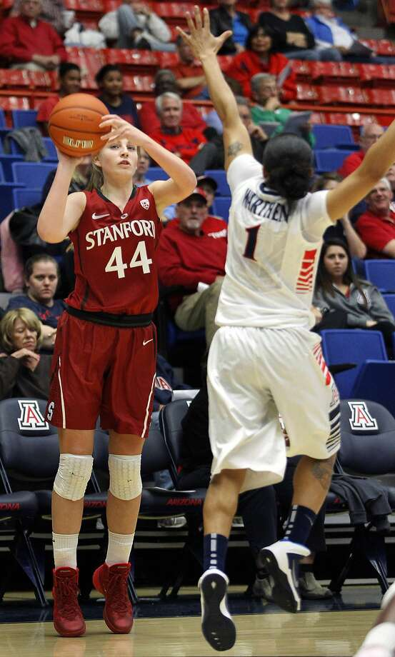 Stanford's Karlie Samuelson (44) shoots on her way to 16 points in an easy win. Photo: John Miller, Associated Press