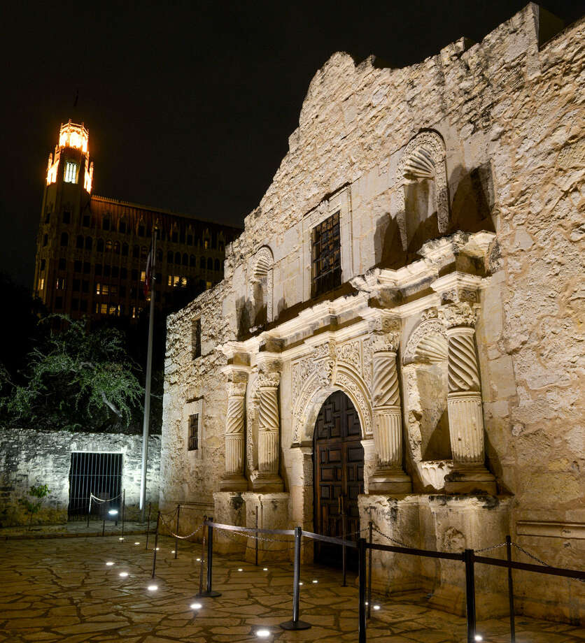 The Alamo, the most famous of the five San Antonio missions, is part of the request for World Heritage status. Photo: Robin Jerstad / For The Express-News