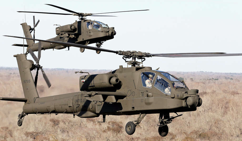 AH-64D Apache Longbows fly over the Wallisville Tactical Training Area near Houston, Tx. Photo: Edward A. Ornelas, San Antonio Express-News / © 2014 San Antonio Express-News