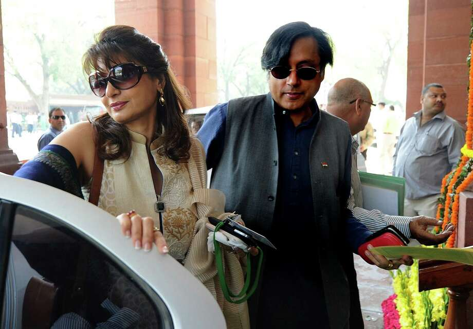Shashi Tharoor (right) and his wife, Sunanda Pushkar, were avid social media users, and she had used Twitter to expose his alleged adultery before she was found dead. Photo: Prakash Singh / Getty Images / AFP ImageForum
