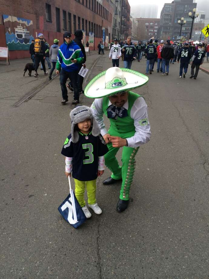 A strange pair of Seahawks fans. (Al Saracevic/Chronicle)