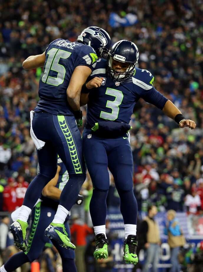 Seahawks quarterback Russell Wilson celebrates with teammate Jermaine Kearse. Photo: Ronald Martinez, Getty Images