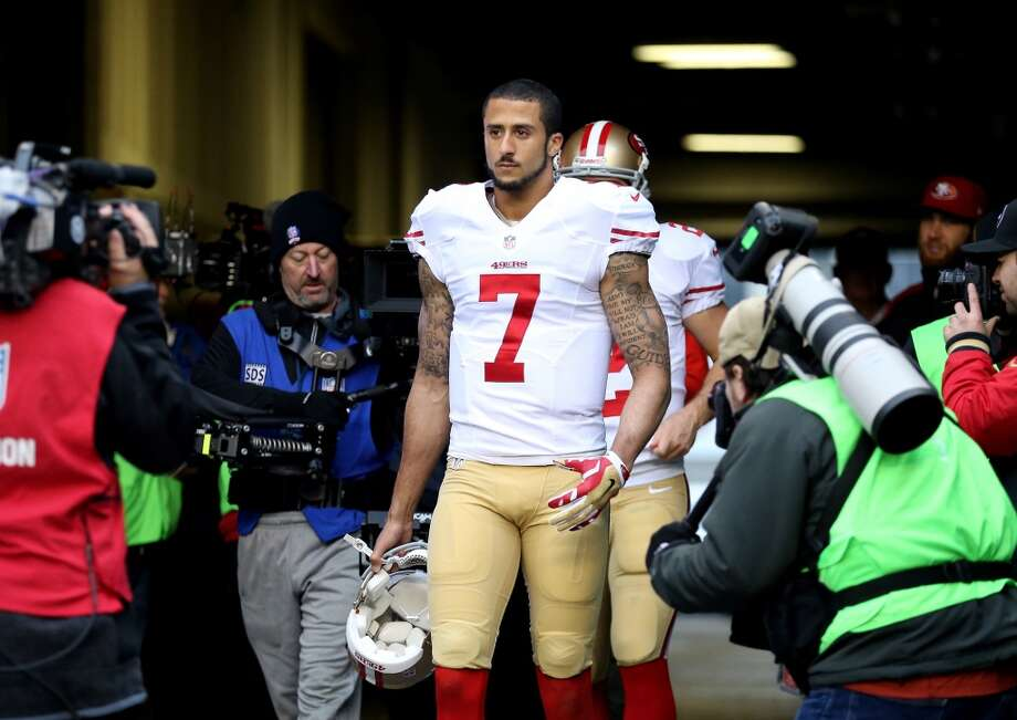 49ers quarterback Colin Kaepernick takes the field to warm up before facing the Seahawks in the NFC Championship. Photo: Christian Petersen, Getty Images