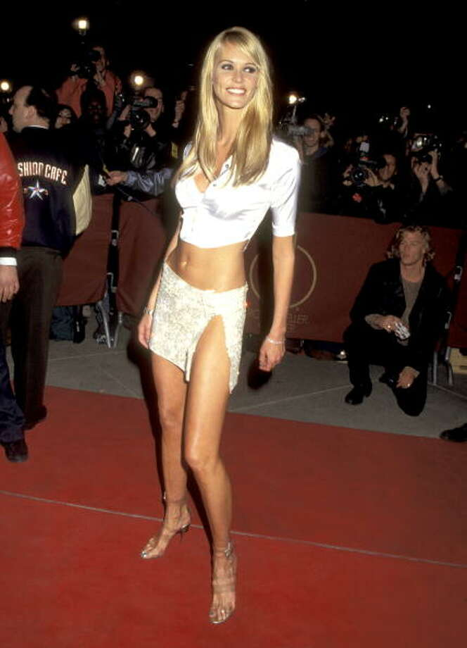 Model Elle Macpherson appeared on the cover of Sports Illustrated Swimsuit issue a total of 5 times. She appeared on the cover by herself in 1986, 1987 and 1988. She appeared in group photos in 1994 and 2006. Photo: Ron Galella, Getty Images / Ron Galella Collection