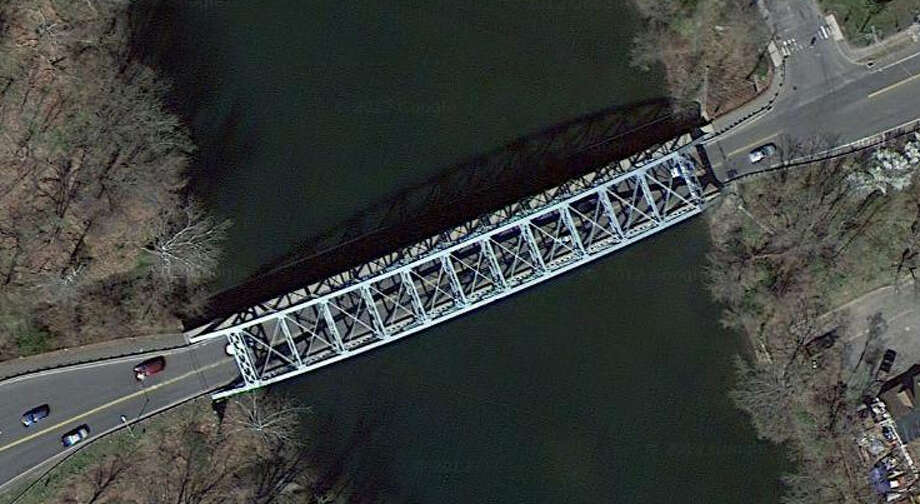 That's the Housatonic River. What's the structure?